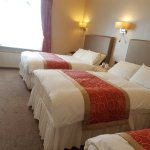 Family 3 bed (sleeps 4)