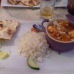 Paneer makhani (dés de fromage Paneer parfumés cannelle/épices puis préparés dans une sauce crém