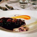 foie gras enrobé de pruneaux et sauce porto. Une tuerie !