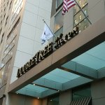 Photo de DoubleTree by Hilton Hotel New York City - Financial District
