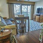 Photo de Suites at Fisherman's Wharf