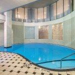 Foto de Holiday Inn Hotel & Suites Vancouver Downtown