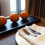 The complimentary navel oranges