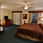 BI Level Suite - Mountain Laurel Inn