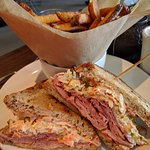 Oregon Peppered Ham Reuben