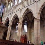 Outra visão da nave central da Catedral do Bom Pastor