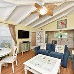 Foto de The Ringling Beach House - A Siesta Key Suites Property