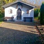 Maria-Hilf-Kapelle auf Lascheid, zwischen Sinspelt und Mettendorf
