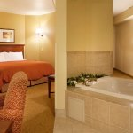 Photo of La Quinta Inn & Suites Chattanooga