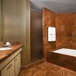 Bilde fra Sheraton Crescent Hotel