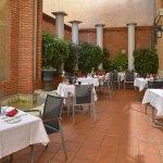 Summer restaurant Grand Patio du Plaza - Inner court