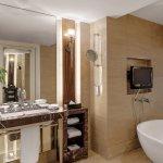 Salon suite - Bathroom