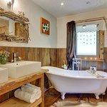 Pleney Slipper Bath
