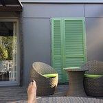 Mobile-home premium : terrasse propice au farniente !