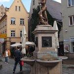 Фонтан Славы и множество безымянных фонтанов