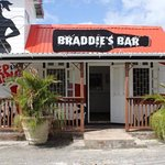 Braddie's Bar!