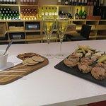Photo de Cav&Art Wine Bar