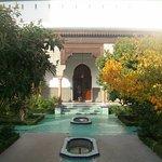 Au centre du jardin de la grande mosquée de Paris