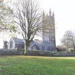 Chiesa e cimitero del villaggio ancora oggi abitato