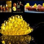 und noch mehr Neuigkeiten. Außergewöhnliche Perlen von Olivenöl. Unser Olivenöl-Kaviar