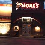 Monk's Bar & Grill照片