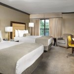 Crowne Plaza Resort Asheville Double Queen Bed Guest Room
