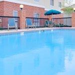 Photo de Holiday Inn Express Hotel & Suites Canton