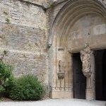 entree principal de l église romane