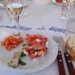 Crevettes de Symi, dorade facon ceviche et salade grecque