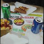 Unas pizzas deliciosas y buy baratas recomendado !! Las pizzas son del tipo americanas