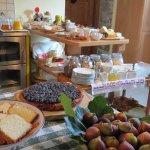 Colazione TIROLESE, dolce ,salata ,con uova e prodotti tipici valtellinesi