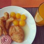 อาหารเช้าแบบไทยๆ มีทองหยอด และปาท่องโก๋