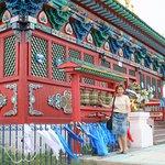 У храма, где находится нетленный Хамбо Лама Итигэлов