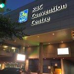 Foto de Holiday Inn & Suites Winnipeg Downtown