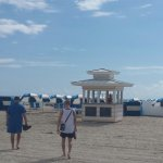 Boulan Beach Service - Beach umbrella's & chairs