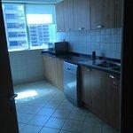 Tamani Hotel Apartment 2 Zimmer Küche , 2 Bäder , 2 weitere Toiletten und Wohnbereich mit Esstis