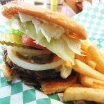 OREGON Fields Station cheeseburger