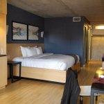 Foto de Hotel Le Dauphin Montreal Centre-Ville
