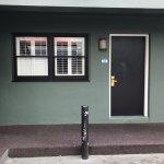 Room 103 - Courtyard One Queen Room