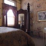 E.W. Palmer Queen Suite