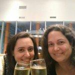champán con mi hermana