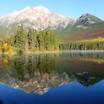 Pyramid Lake close to Jasper early in the morning.