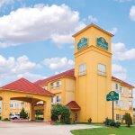 Photo of La Quinta Inn & Suites Tulsa Airport / Expo Square