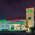 Photo of La Quinta Inn & Suites Tulsa Airport / Expo Square