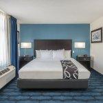 Photo of La Quinta Inn & Suites St. Louis Airport - Riverport