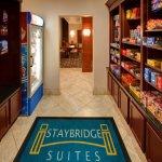 Photo de Staybridge Suites Rockford