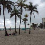 beach scene fort lauderdale