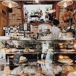 Foto de Cambria Cafe Resto