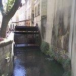 les roues à aubes ne sont plus de notre temps mais elles permettent d'imaginer Avignon il y a...