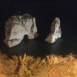 Billede af Pigeon Rocks in Raouche